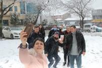 Tekirdağ'da Kar Yağışı Sürüyor