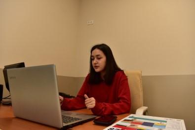 17 Yaşındaki Şevval Velilere Dijital Seminer Veriyor, Gören Veliler Şaşırıyor