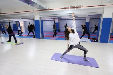 Bayraklı'da Spor Kursları Yeniden Başladı