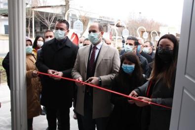 Diyarbakır'da Çiftler İçin Evlilik Ve Gebelik Okulu Açıldı