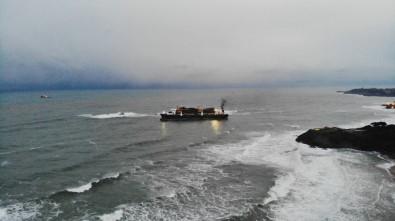 Riva'da Karaya Oturan Geminin Son Hali Havadan Görüntülendi