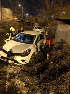 Siirt'te İki Araç Çarpıştı Açıklaması1'i Ağır 3 Yaralı