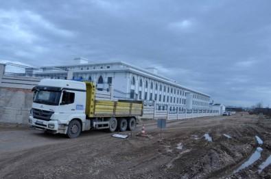 Yeni Emniyet Binasına Otopark Ve Çevre Yolu Yapılıyor