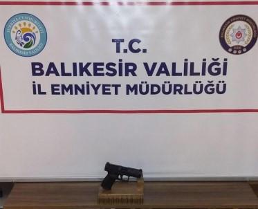 Balıkesir'de Polis Aranan 13 Şahsı Yakaladı
