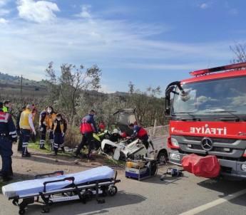Kontrolden Çıkan Kamyonet Su Kanalına Çarptı Açıklaması 1 Ölü, 1 Yaralı