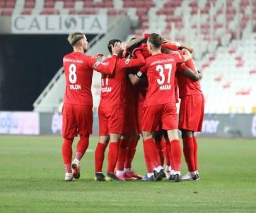 Sivasspor'da Alanyaspor Maçı Öncesi 5 Eksik!