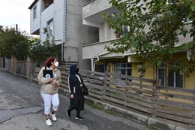 Tuzla'da 4 Bin 300 Gönüllü Kadın Sokak Sokak Gezerek Sorunlara Çözüm Üretiyor