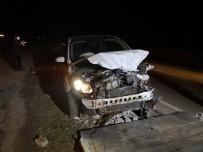 Alkollü Sürücü Koyun Sürüsüne Çarptı Açıklaması 2 Kişi Yaralandı, 21 Koyun Telef Oldu