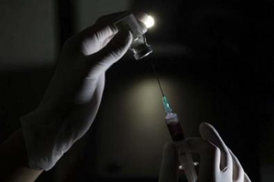 Çin'de korona aşısı riskli gruplara uygulanmaya başlandı