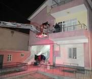 Kendisine Emanet Edilen Evi Soyan Kiracı Suçüstü Yakalanıp İtfaiye Merdiveniyle İndirildi