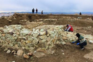 Amasya'da 2 Bin 600 Yıllık 'Kubaba Sunağı' Keşfedildi