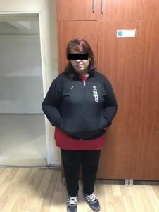 Fuhuş Yapılan Evi Takibe Alan Polis, Şüphelileri Suçüstü Yakaladı