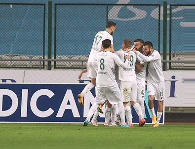 7 gollü maçta kazanan Konyaspor!