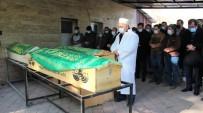 Elazığ'daki Feci Kazada, Hayatını Kaybeden Anne, Baba Ve Kızları Son Yolculuğuna Uğurlandı