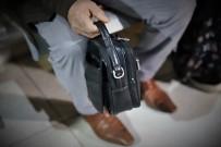 İnşaat İşçisi, Ailesiyle Para Dolu Çanta Buldu, Saymadan Polise Gitti