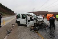 Çankırı'da Trafik Kazası Açıklaması 2 Ölü, 4 Yaralı