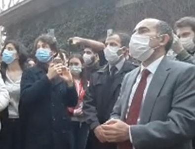 Rektör Melih Bulu protestocuların arasında!