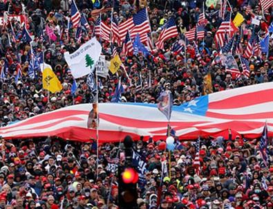 Trumpçılar Washington'da sokakları ve meydanları doldurdu