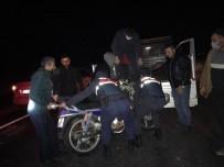 Çalıntı Motoru Muhtar Ve Köyün Gençleri Buldu