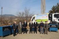 Tosya'nın Köylerine Çöp Konteyneri Dağıtımını Sürüyor