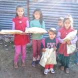 Köy Köy Gezip 'İyilik Dağıtıyorlar'