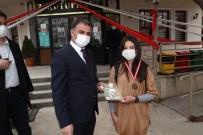 Öğrenciler, Pandemi De Kitap Okuyarak Kazanıyor