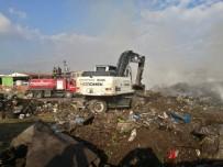 Turgutlu'da Geri Dönüşüm Alanında Yangın