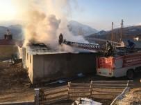 Tunceli'de Köy Evinde Yangın