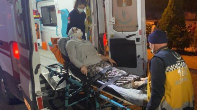 Kontrolden Çikan Otomobil Agaçlik Alana Uçtu  Açiklamasi 2 Yarali