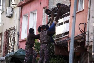 72 Yil Hapis Cezasiyla Aranirken Ablasini Ve Yegenlerini Rehin Alan Hükümlü Ikinci Kez Yakalandi