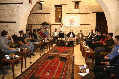 AK Parti'den 'Mahalle Bizim, Gençlik Bizim' Bulusmasi