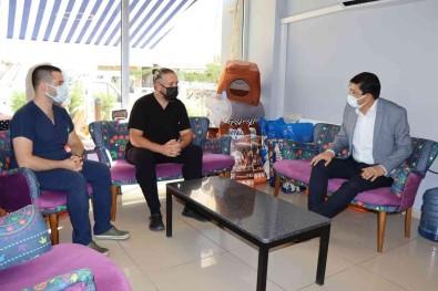 Baskan Özcan'dan Yarali Leylegin Bakimini Üstlenen Veteriner Hekime Tesekkür