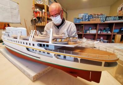 Binlerce Parça Kullanip Saheser Gemiler Üretiyor