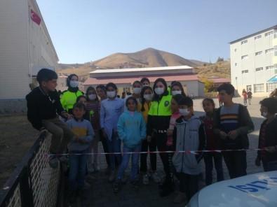 Bitlis'te Ögrencilere Trafik Egitimi Verildi