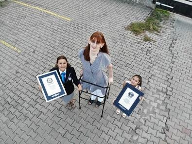 Dünyanin En Uzun Kadini Ikinci Kez 'Guinness Rekorlar Kitabi'nda