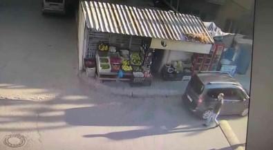 Kendilerini Polis Olarak Tanitarak Girdikleri Marketlerden Sigara Toplayan 3 Kisi Yakalandi