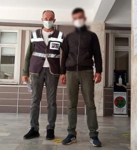Manisa'da 16 Dairenin Su Sayacini Çalan Süpheli Tutuklandi