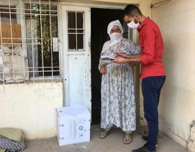 Mardin'de Yasli Vatandaslara Hijyen Paketi Dagitildi