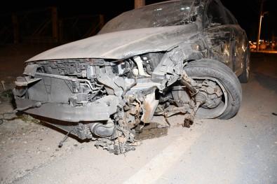 Otomobillerin Hurdaya Döndügü Kazada 3 Kisi Yaralandi