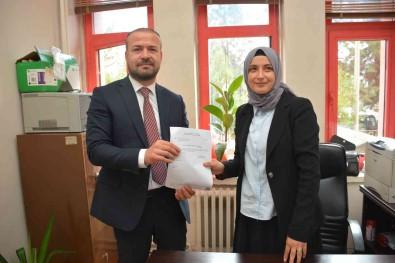 Özçelik-Is Sendikasi Karabük Sube Baskani Yilmaz Mazbatasini Aldi