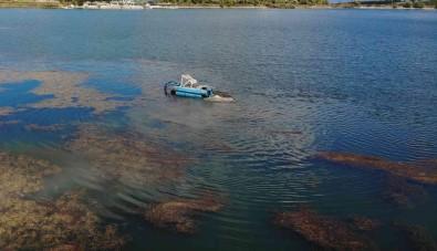 (ÖZEL) Pelitözü Gölet'i Anfibi Tipi Kepçeyle Temizlenmeye Baslandi