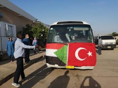 (Özel) Türk Doktorlardan Sudan Halkina Saglik Hizmeti