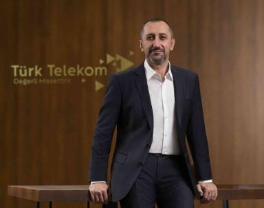 Türk Telekom'dan Egitime 10 Bin Tablet Destegi