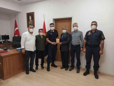 Yeni Jandarma Komutani Ersoy'u Ziyaret Edip Dernek Faaliyetlerini Anlattilar