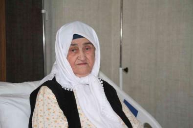 2 Doz Asi Hayatta Tuttu, 89 Yasindaki Firdevs Nine Koronayi Hafif Atlatti