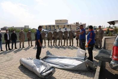 Bingöl'de 43 Jandarma Personeline Çadir Kurma Egitimi Verildi