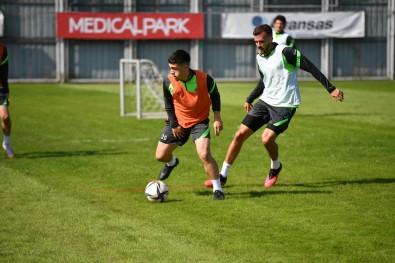 Bursaspor, Boluspor Maçinin Taktik Antrenmanini Yapti