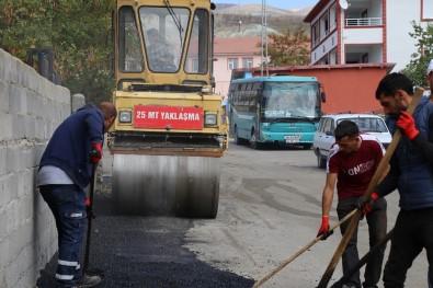 Erzincan'da Asfalt Yama Çalismalari Devam Ediyor