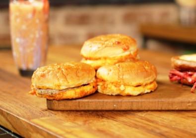 Evde Islak Hamburger Nasıl Yapılır? Evde Islak Hamburger Tarifi