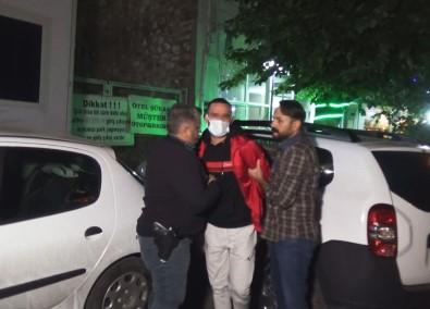 Izmir'de Biçakli Kavga Açiklamasi 1 Agir Yarali